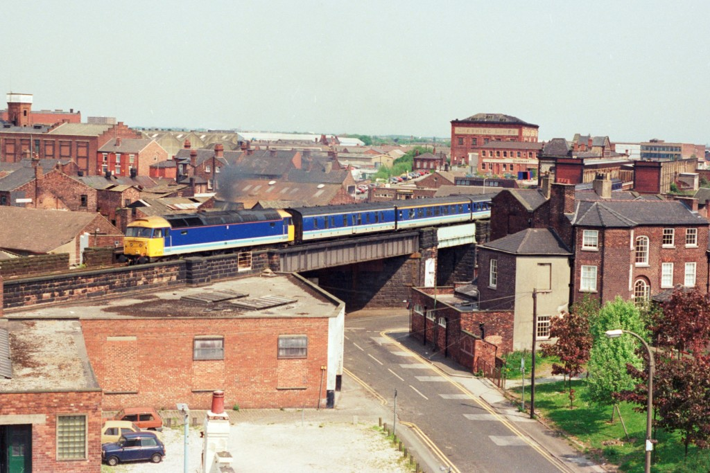 47475 Departs From Warrington Central With A Service To Liverpool, 17 05 1989 (Andy Prinsep)