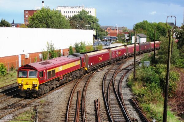 59203 Passing Arpley Junction With A Coal Train From Liverpool Bulk Terminal To Fiddlers Ferry Power Station, 23 09 2010 (Lee Miller)