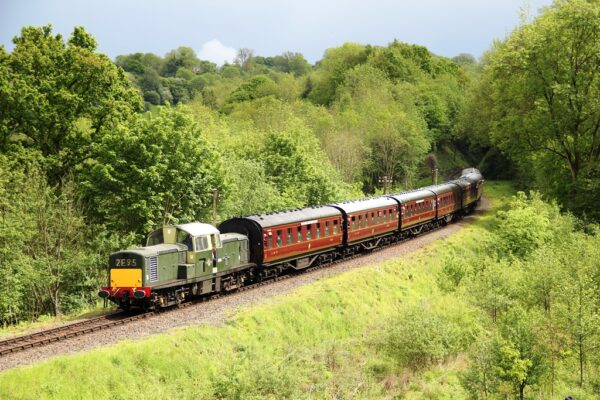 D8568 Approaching Highley, Severn Valley Railway, 20 05 2017 (Lee Miller)
